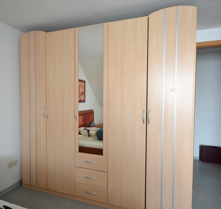 Schlafzimmerschrank - Kleiderschrank - Kleiderschränke - Bild 1