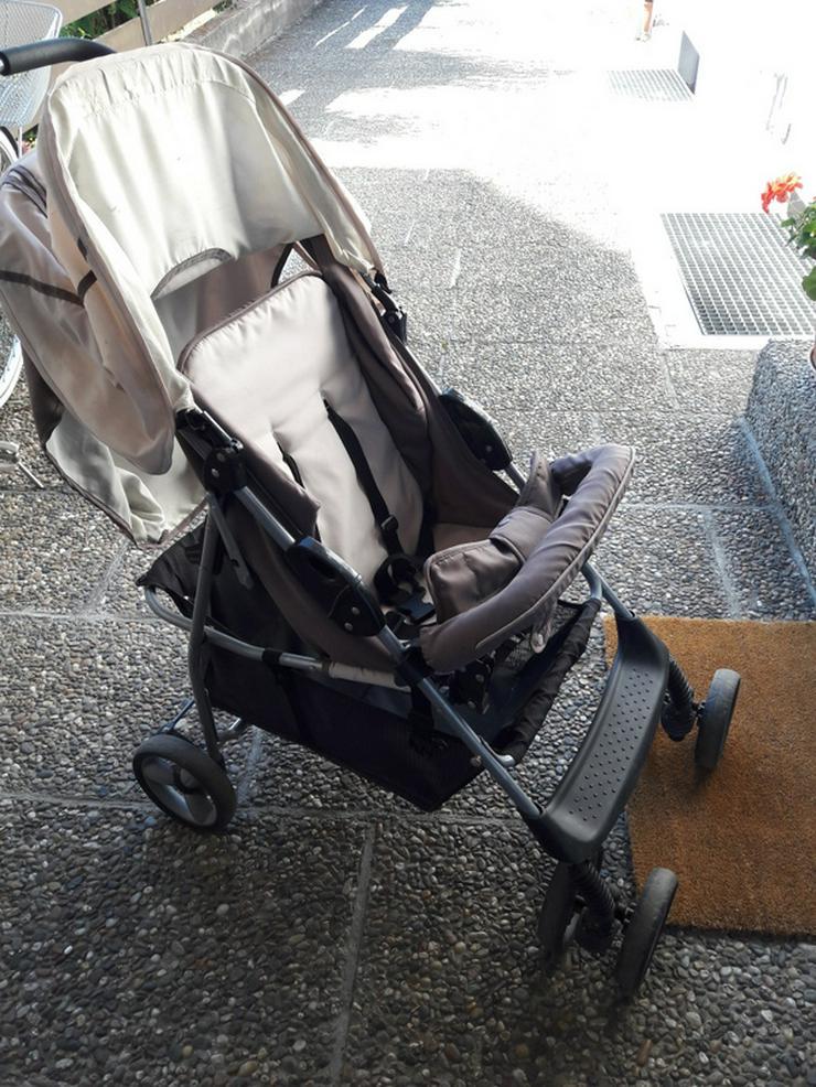Älterer Kinderwagen