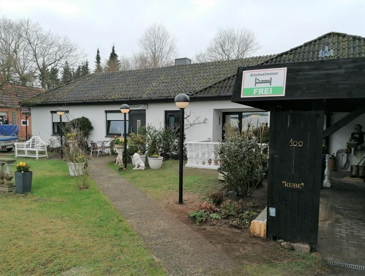 Bild 2: Private Unterkunft gegenüber dem Flughafen HL-Blankensee