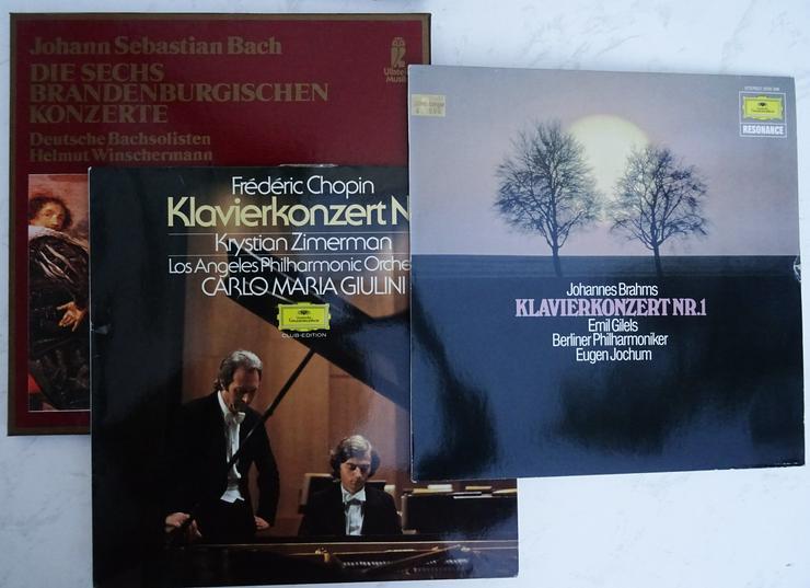 Bild 2: Klassik-Schallplatten - u.a. Brandenburger Konzerte