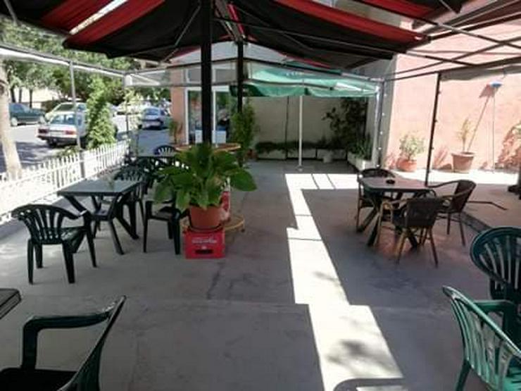 Bild 6: Bar/Restaurant mit großer Terrasse