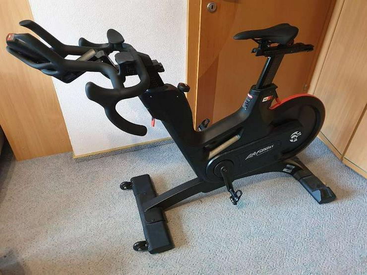 Bild 2: Life Fitness IC8