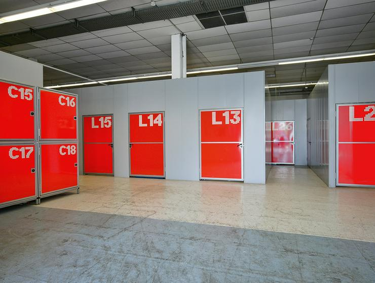 ALL-INCL.-MIETE: Lagerflächen im Erdgeschoss mit Hebebühne und kostenfreiem Hubwagen in Bonn *Jubiläums-Aktion*