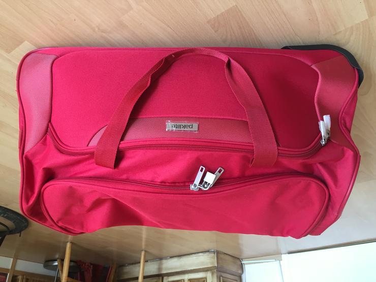 Reisetasche mit Rollen rot 68 x 34 cm