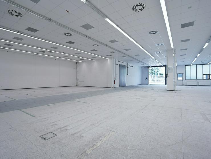 Großzügige Hallenflächen – teilweise mit Starkstrom und Wasseranschluss – in Hannover *Jubiläums-Aktion*