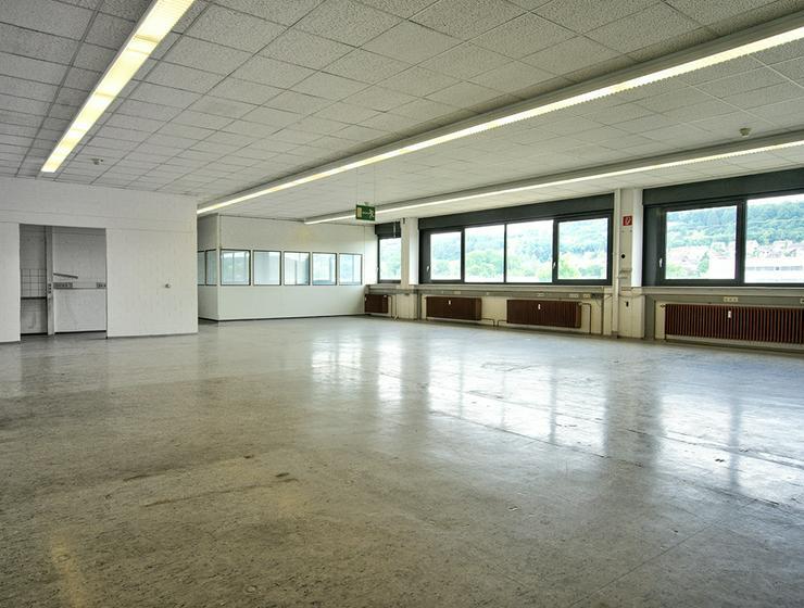 Leicht andienbare Hallenflächen mit Lastenaufzug in Heidenheim *Jubiläums-Aktion*