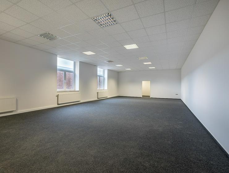 Großzügige Büroflächen mit Bistro vor Ort im Sirius Business Park Köln