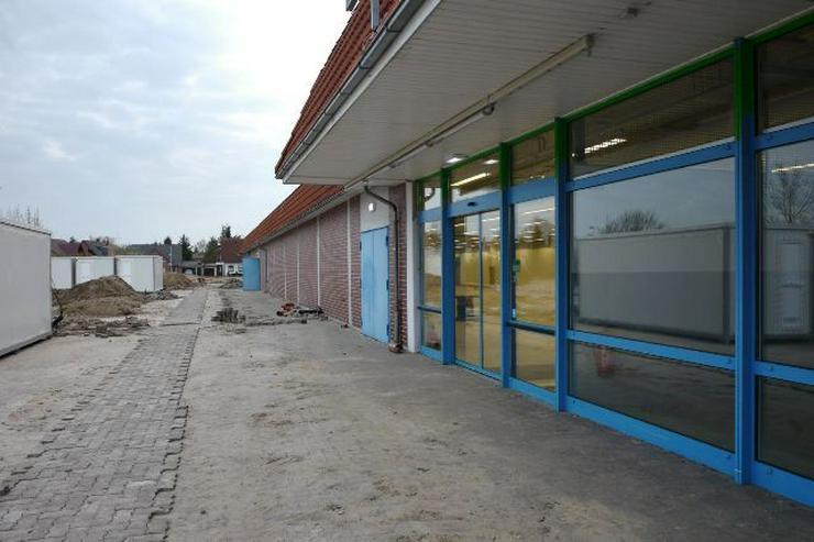 Bild 4:   *Wohnbebauung möglich* Grundstück mit ehemalige  Einkaufszentrum zu verkaufen!