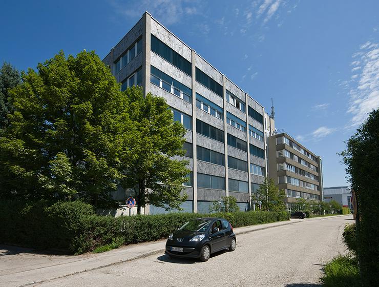 Bild 6: ALL-INCL.-MIETE: Teilsanierte Büros mit Teeküche inkl. Kaffee- und Teeflatrate in München