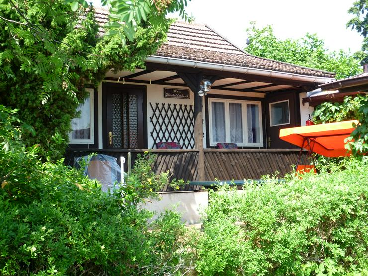 Direkt am See, Ferienhaus Bungalow Ferienwohnung in Carwitz in der Feldberger Seenlandschaft !!!