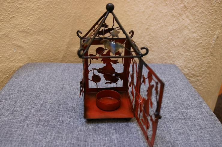 Bild 2: Halloween-Teelichthaus m. Hexe, Metall