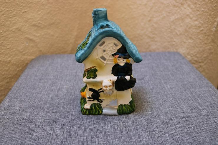 Halloween-Teelichthaus Hexe, Terrakotta