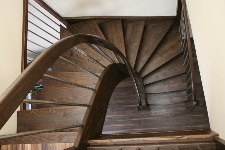 Bild 3: Holztreppe