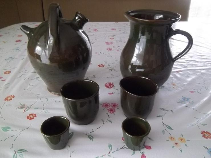 Wein- und Trinkbecher und Schnapsgläser aus Keramik