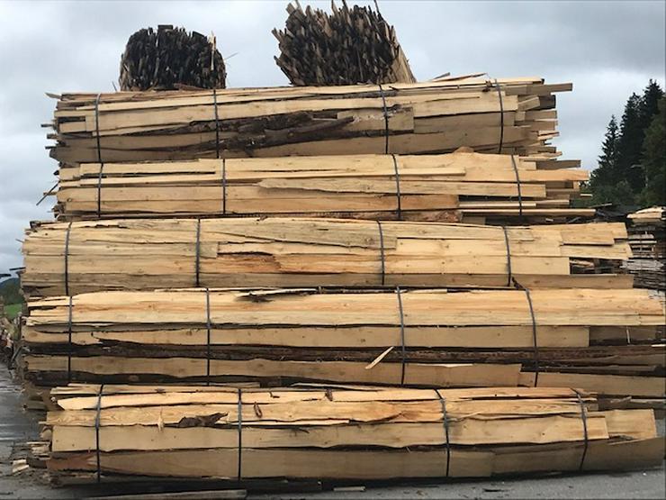 Brennholz Fichte Schwartenbund 4,5 - 5 m lang - ca. 4 Schüttraummeter