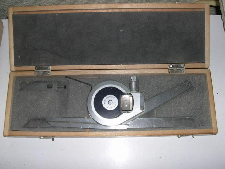 Winkelmesser mit Mikrometereinteilung (Lieferant: Hohnen)