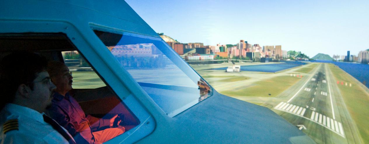 """Bild 4: Flugsimulator in Berlin: Als """"Pilot"""" im Cockpit eines A320"""
