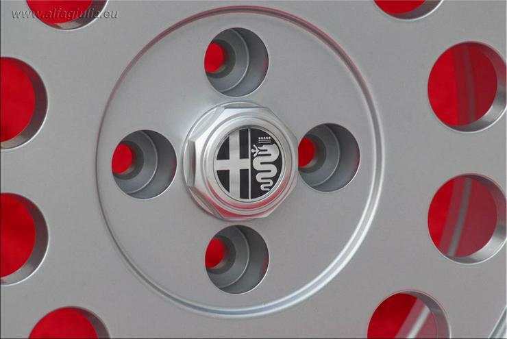 Bild 4: 4 Alfa Romeo Felgen Alfetta GTV 75 164 Felgen 7x15 TUV