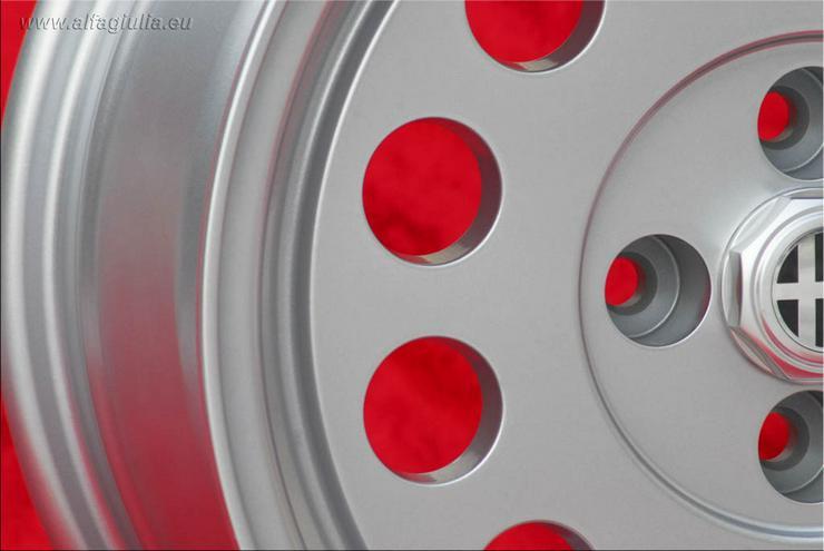 Bild 5: 4 Alfa Romeo Felgen Alfetta GTV 75 164 Felgen 7x15 TUV