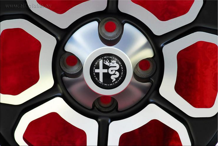 Bild 5: 4 Felgen Momo Vega Nachbau Alfa Romeo Giulia GT 6x14 Schwarz