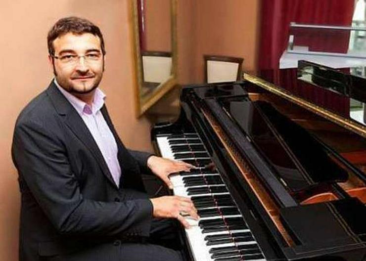 Pianist / Klavierspieler / Sänger für jeden Anlass + Demovideo! BUNDESWEIT!