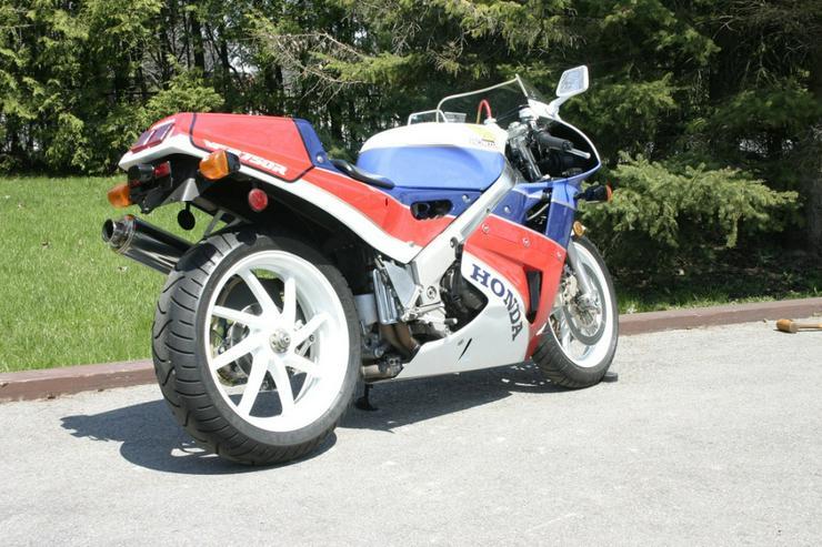 Bild 2: 1988 Honda VFR750R