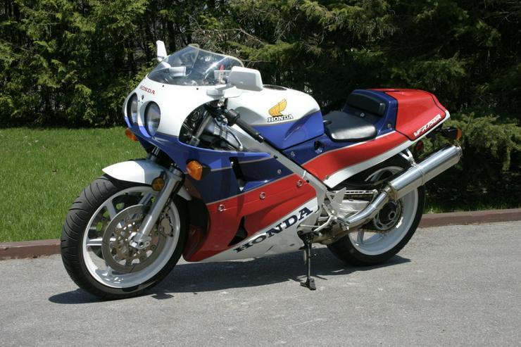 Bild 1: 1988 Honda VFR750R