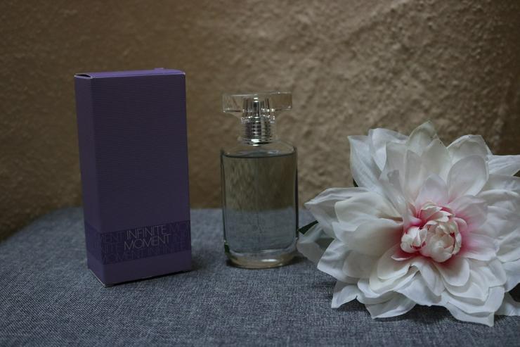 Eau de Toilettem Infiniti Moments, Avon - Parfums - Bild 1