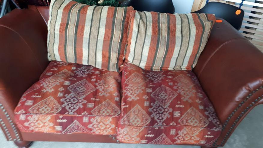 Couch/Sofa für 2 Personen, Leder + Stoff, rotbraun
