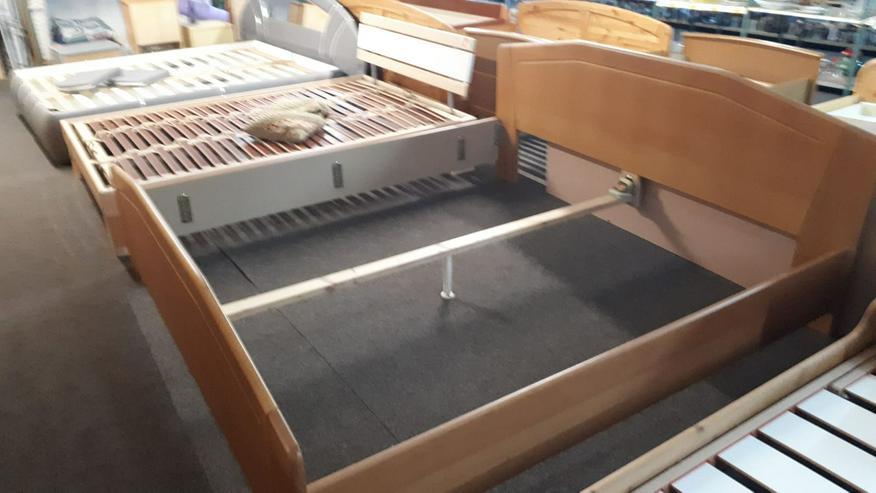 Doppelbett 180cm x 200cm, Holz, nur Rahmen