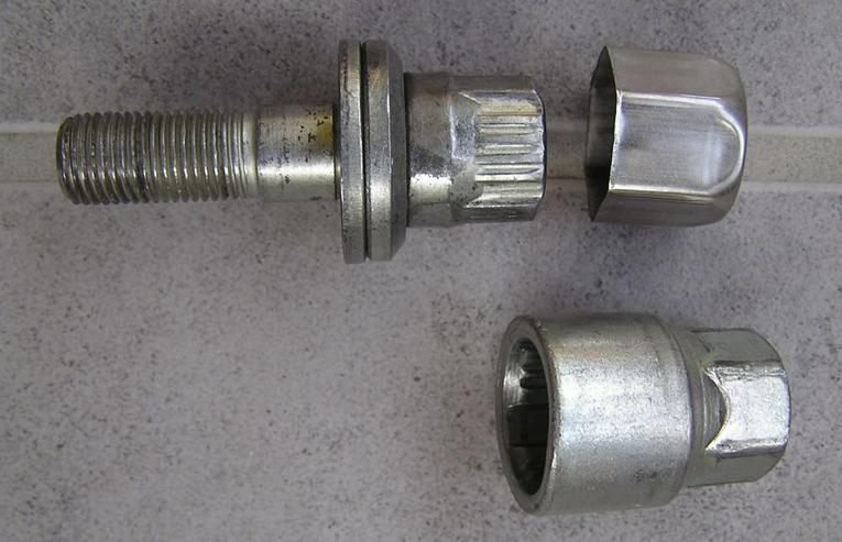 Bild 3: Peugeot Citroen Felgenschlösser  f. Alufelgen + Radschrauben/Radbolzen Schrauben