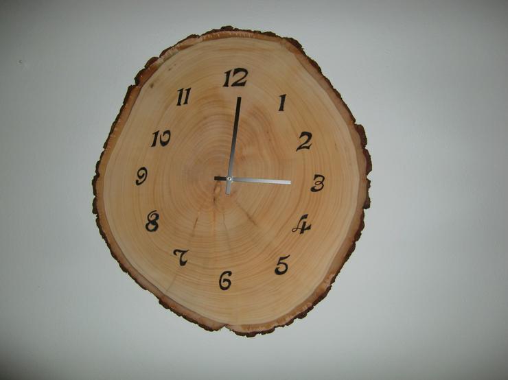 Wanduhr Linde ca. 50 cm, Junghans Uhrwerk Holzkunst HandarbeitNr.1240