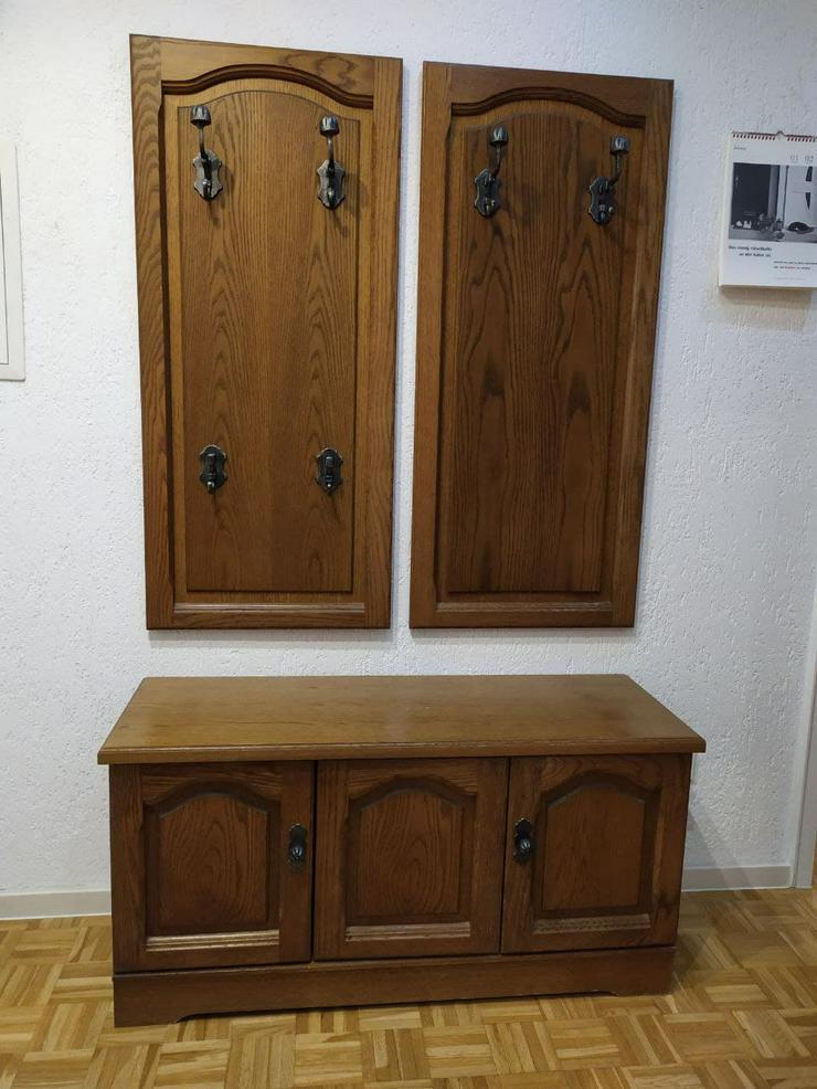 Garderobe, Kompletteinrichtung, 5 Teile, mit einem Spiegel.