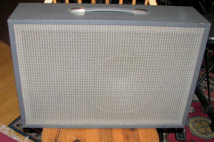 Hier verkaufe ich einen Vintage Verstärker für Gitarre / Gesang aus den 70er