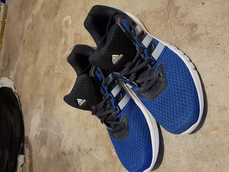 Adidas Sportschuhe Größe 46