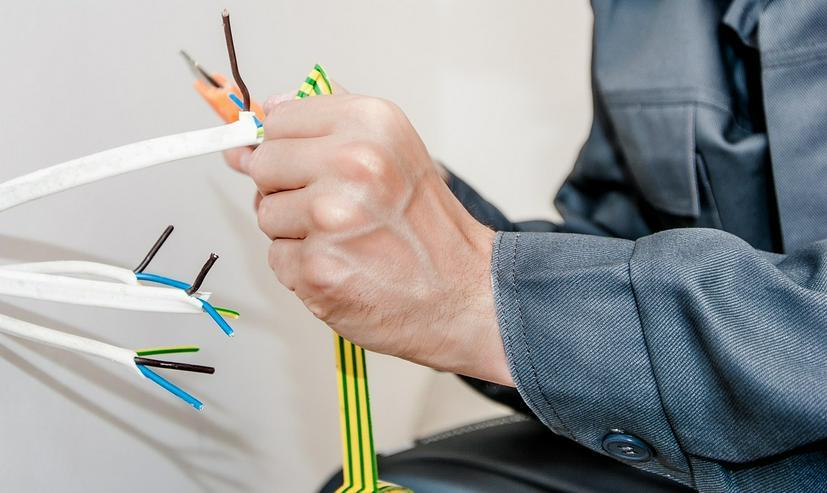 Elektro Kundendienst & Notdienst 24H/365Tage - Top Service -  fairer Preis - Reparaturen & Handwerker - Bild 1