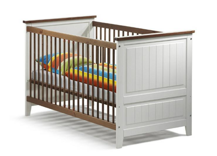 Kinderbett in Massivholz mit Komplettausstattung