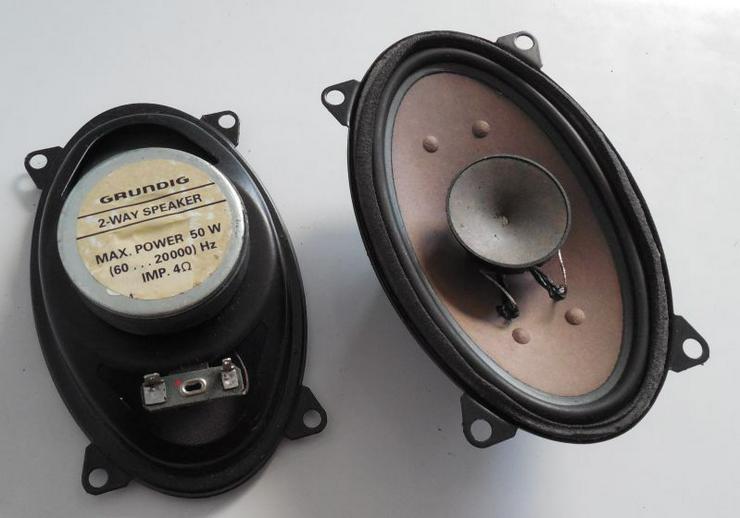 Grundig CAR-Audio Einbaulautsprecher Set