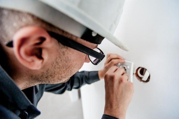 Anzeigendetails Bilder   Elektro Kundendienst & Notdienst 24H/365Tage - Top Service - fairer Preis - Reparaturen & Handwerker - Bild 1
