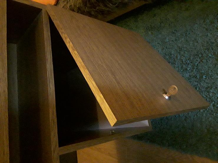 Bild 4: Schreibtisch im neuwertigen Zustand wegen Umzug zu einem bestehenden Haushalt abzugeben