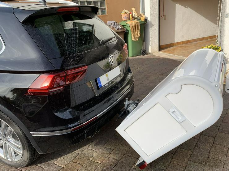 Bild 5: Sauber und sicherer Rollstuhltranport auf der Anhängerkupplung