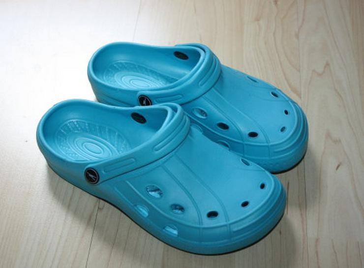 Kinder Clogs Hausschuhe Badeschuhe Sandalen Pantoletten Badelatschen Gartenschuhe türkis blau Gr. 36 NEU