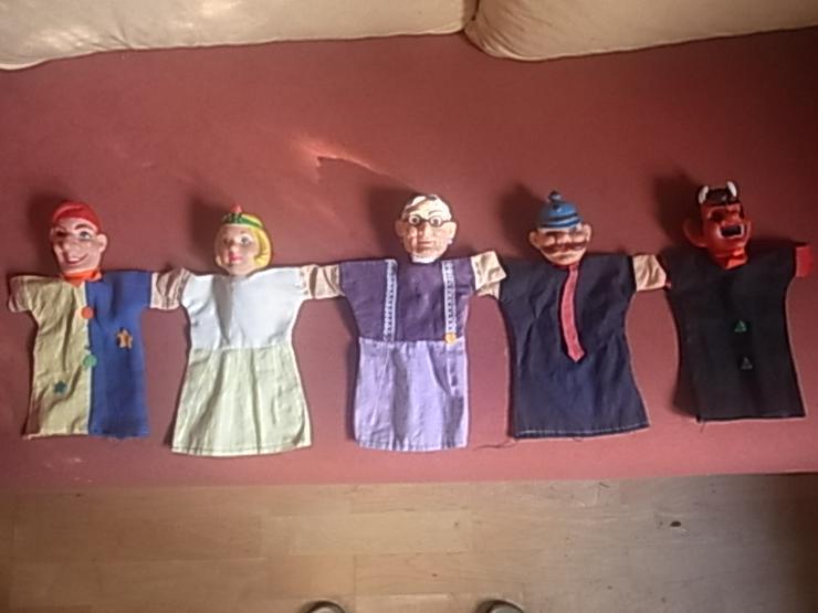 Kasperletheater samt Puppen