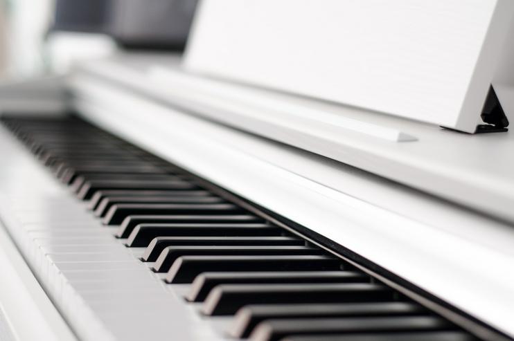 Klavierunterricht für Anfänger und Fortgeschrittene (inkl. Notenverleih)