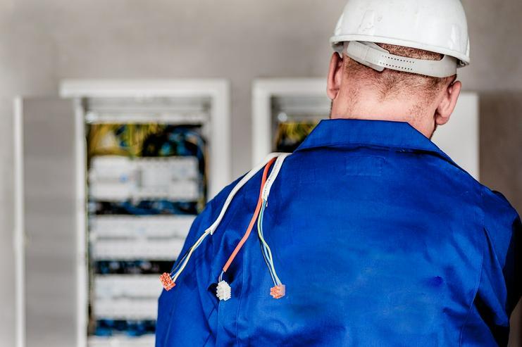 Haustechniker (m/w/d) für die Gebäude- und Produktionstechnik gesucht!