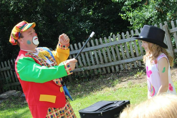 suchen Sie einen Clown für ihren Kindergeburtstag ist Clown Peppino der richtige