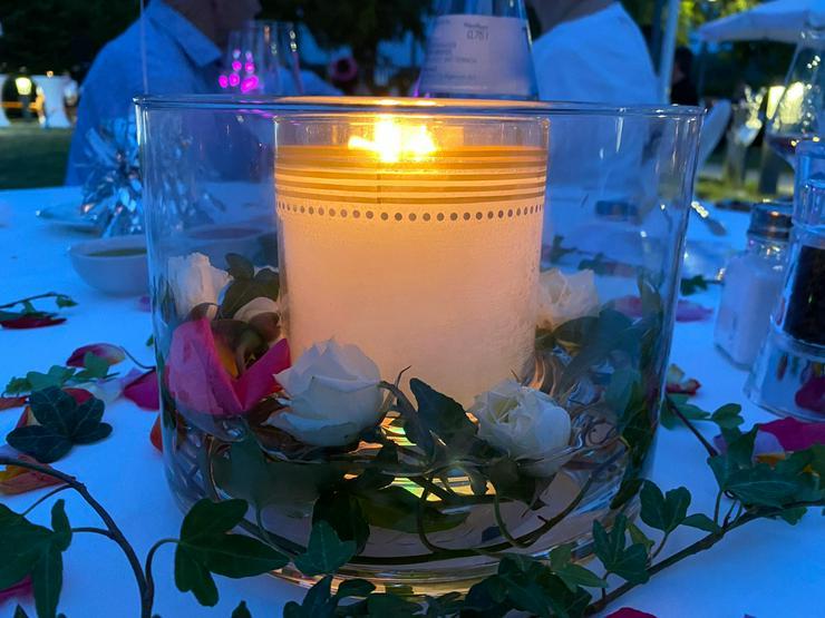 Bild 5: Kerzen und Accessoires