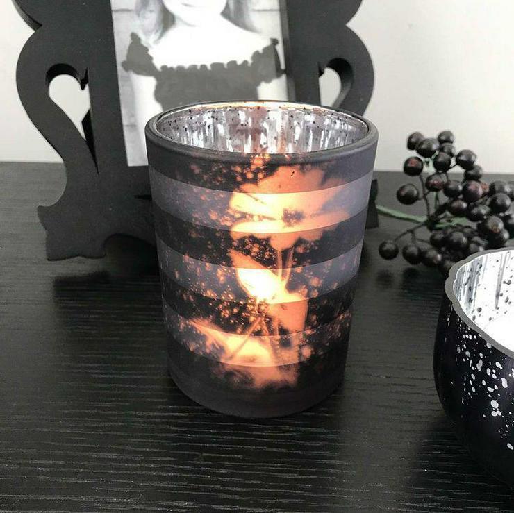 Bild 6: Kerzen und Accessoires