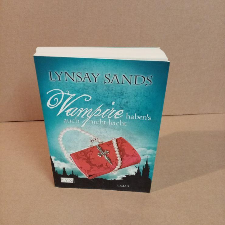 Vampire haben auch nicht Leicht.  - Romane, Biografien, Sagen usw. - Bild 1