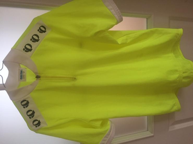 Bild 3: Rennkleidung